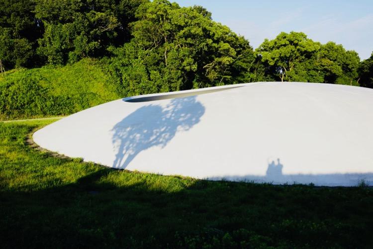 和豊島美術館合个影